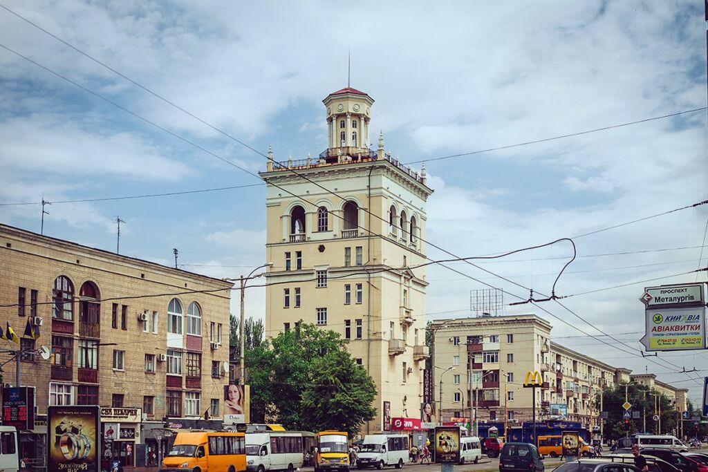 Пизанская башня, Запорожье
